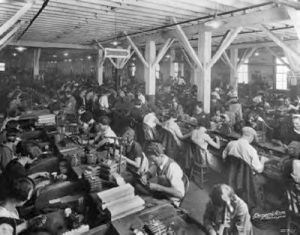 1927-factory-workers