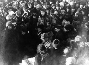 Emma_Goldman_Peter_Kropotkin's_funeral
