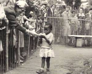 African-girl-in-human-zoo.Brussels.Belgium1958