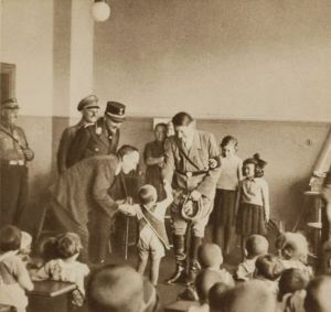 Hitler-school.children