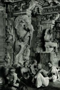 Brahmins Great Temple Madurai Tamil Nadu India1928