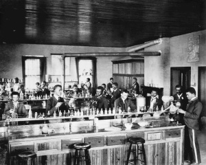 african.american.scientists.laboratory