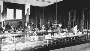 Chemical_laboratory
