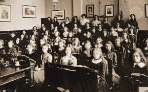 Victorianschoolclass