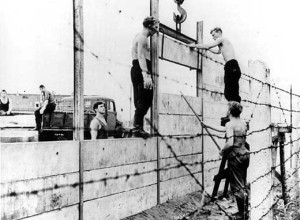 construction BerlinWall