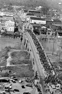 Marchers Alabama Bridge Selma1965