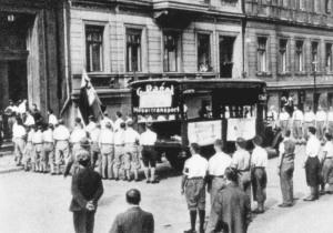 plundering Hirschfeld's institute May1933