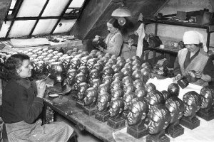 stone busts Hitler1937