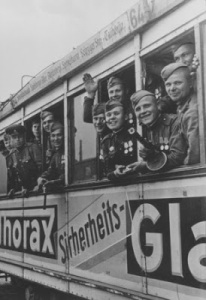 A. Lindorf,Stalingraders Berlin tram1945