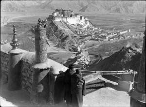 tibet.potala.monks