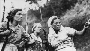 women-soviet-guerrillas-russia-ww2